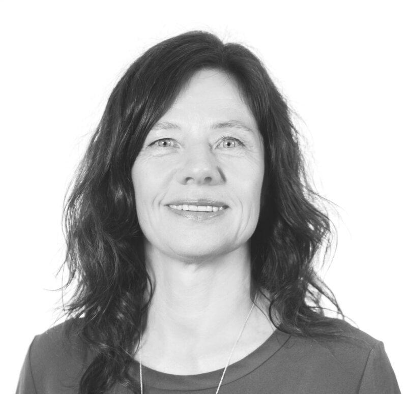 Bente Lømo har disputert med sin doktorgradsavhandling om hvordan terapi hjelper menn som bruker vold i familien